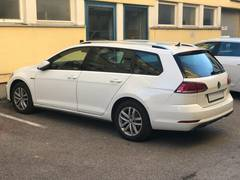 Автомобиль Volkswagen Golf 7 Универсал для аренды в Берне